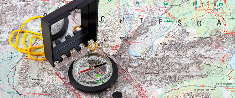 compass on map. Photo: johannes86 - Fotolia