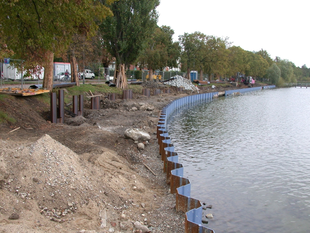 Shoreline development at a lowland lake
