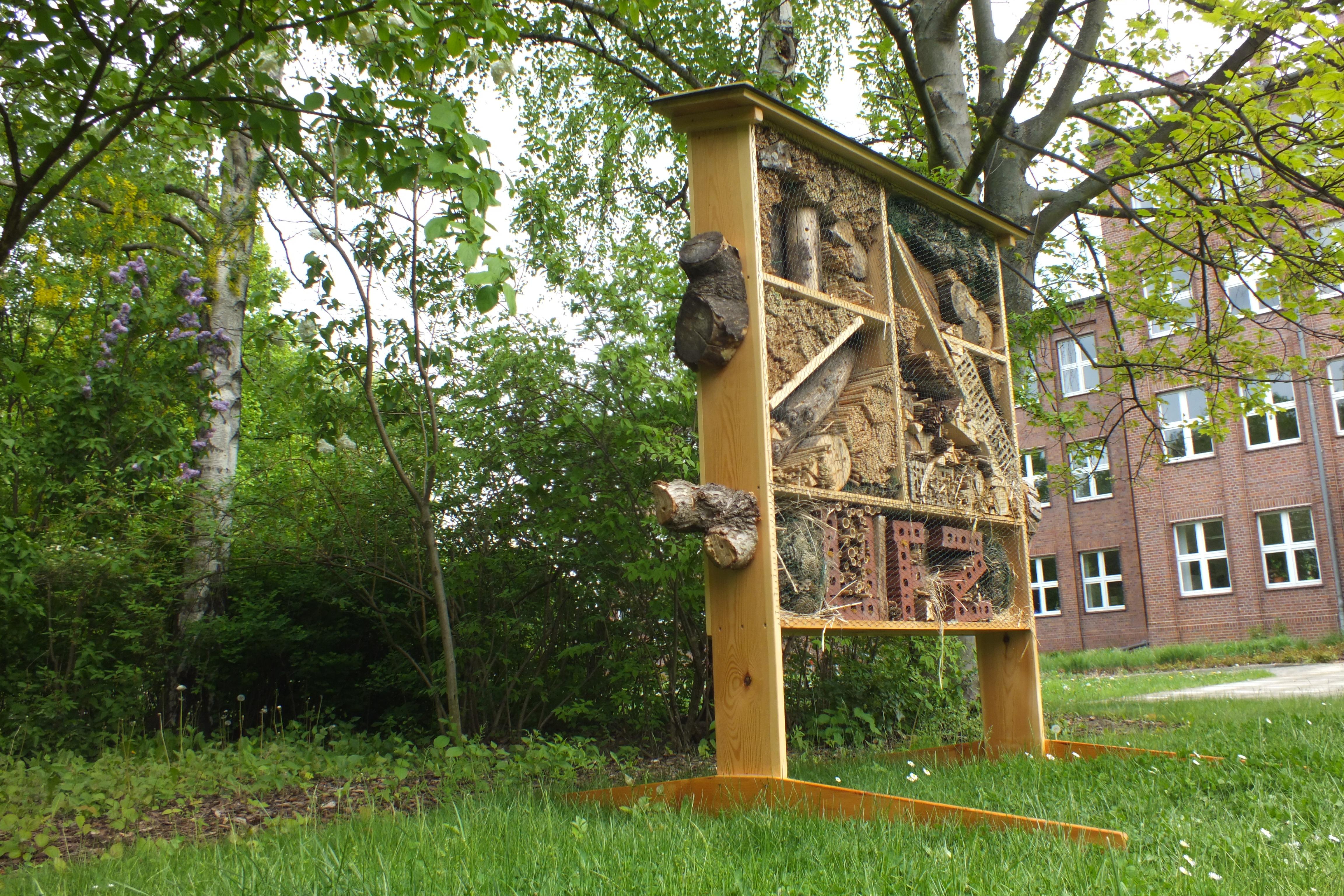 insektenhotel am ufz helmholtz zentrum f r. Black Bedroom Furniture Sets. Home Design Ideas