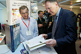 EC Commissioner Janez Potocnik in conversations with Lyubomir Penev, Pensoft Publishing Company Sofia