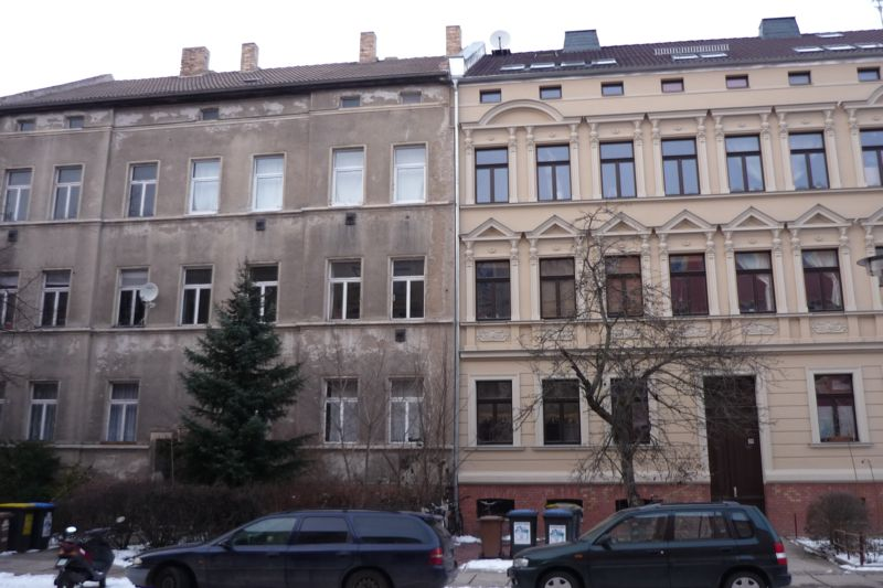 Mixture of unrenovated and refurbished housing stock in Halle-Glaucha