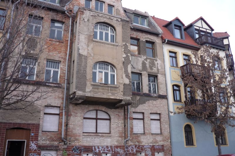 Unrenovated housing stock in Halle-Glaucha